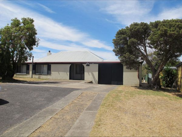 Carthew Street Holiday Home - Accommodation Mermaid Beach