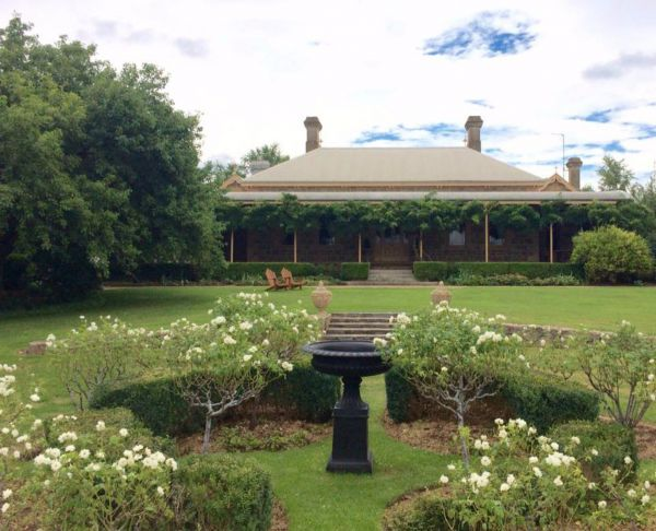 Clifton House and Gardens Farm Stay Accommodation - Accommodation Mermaid Beach