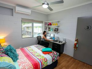 Cairns Student Lodge - Accommodation Mermaid Beach