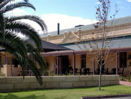 Dongara Hotel Motel - Accommodation Mermaid Beach