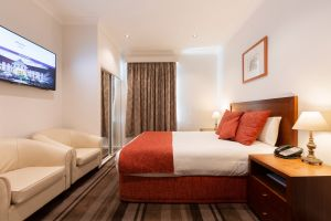 Mercure Canberra - Accommodation Mermaid Beach