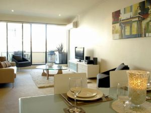 Boutique Stays - Elwood Village Apartment - Accommodation Mermaid Beach