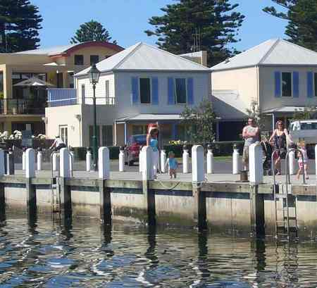 Dockside Waterfront Indulgence - Accommodation Mermaid Beach