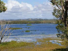 Lake Barfield - Accommodation Mermaid Beach