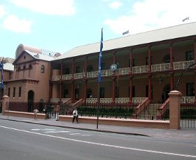 Parliament House - Accommodation Mermaid Beach