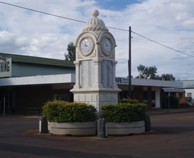 Barcaldine War Memorial Clock - Accommodation Mermaid Beach