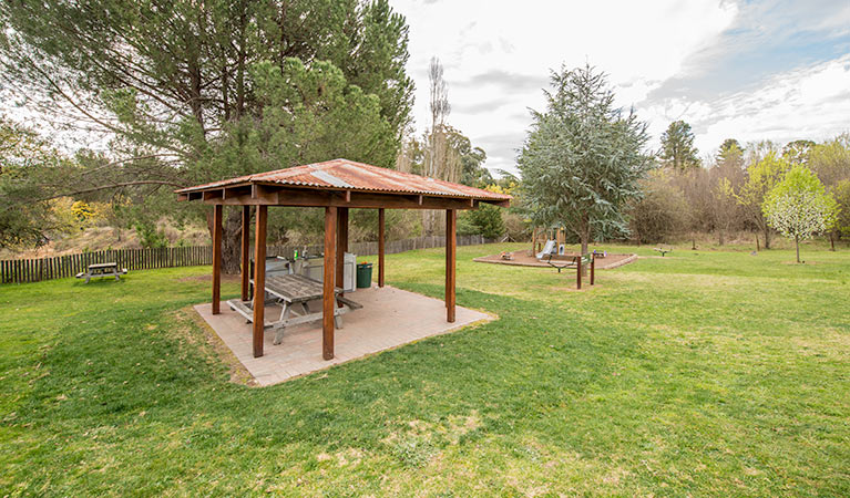 Bill Lyle Reserve picnic area - Accommodation Mermaid Beach