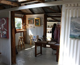 Tin Shed Gallery - Accommodation Mermaid Beach