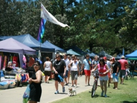 Broadbeach Art and Craft Markets - Accommodation Mermaid Beach