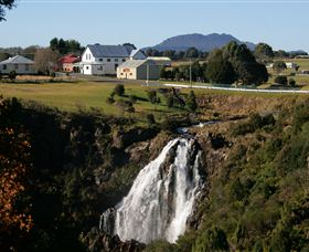 Waratah Falls - Accommodation Mermaid Beach