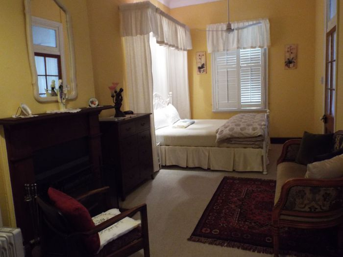 Guy House Bed and Breakfast - Accommodation Mermaid Beach