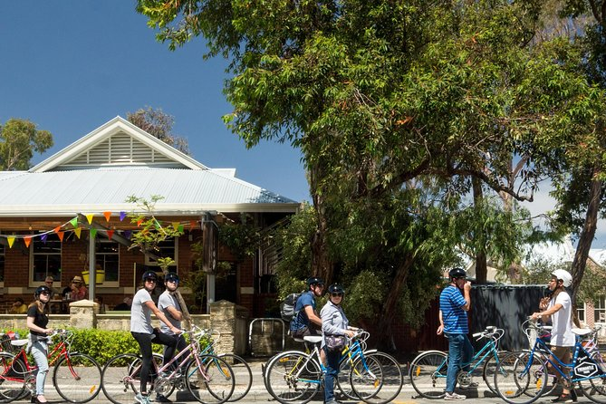 Explore Freo the local way on our 3 hour bike tour - Accommodation Mermaid Beach