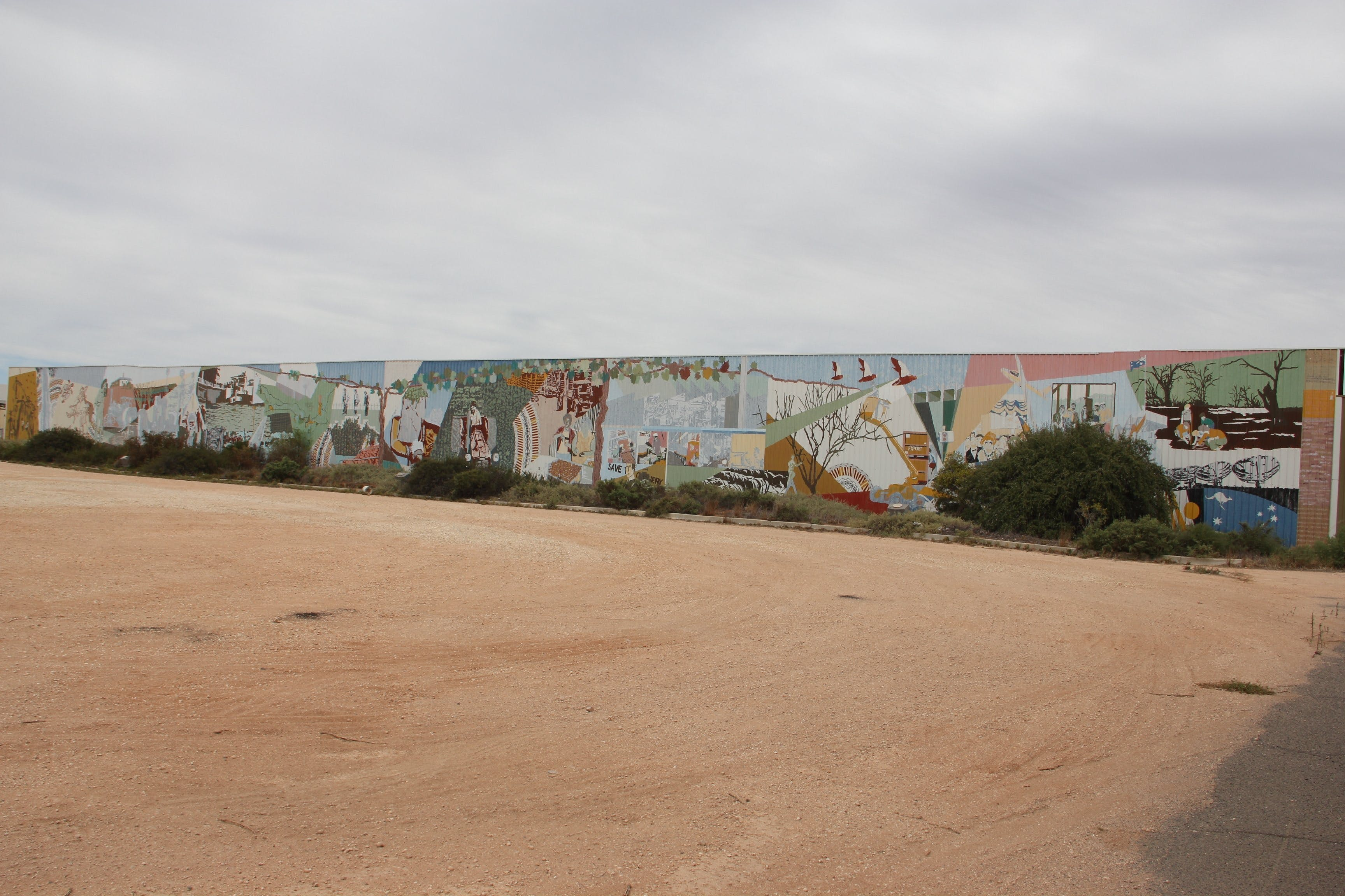 Berri Community Mural - Accommodation Mermaid Beach