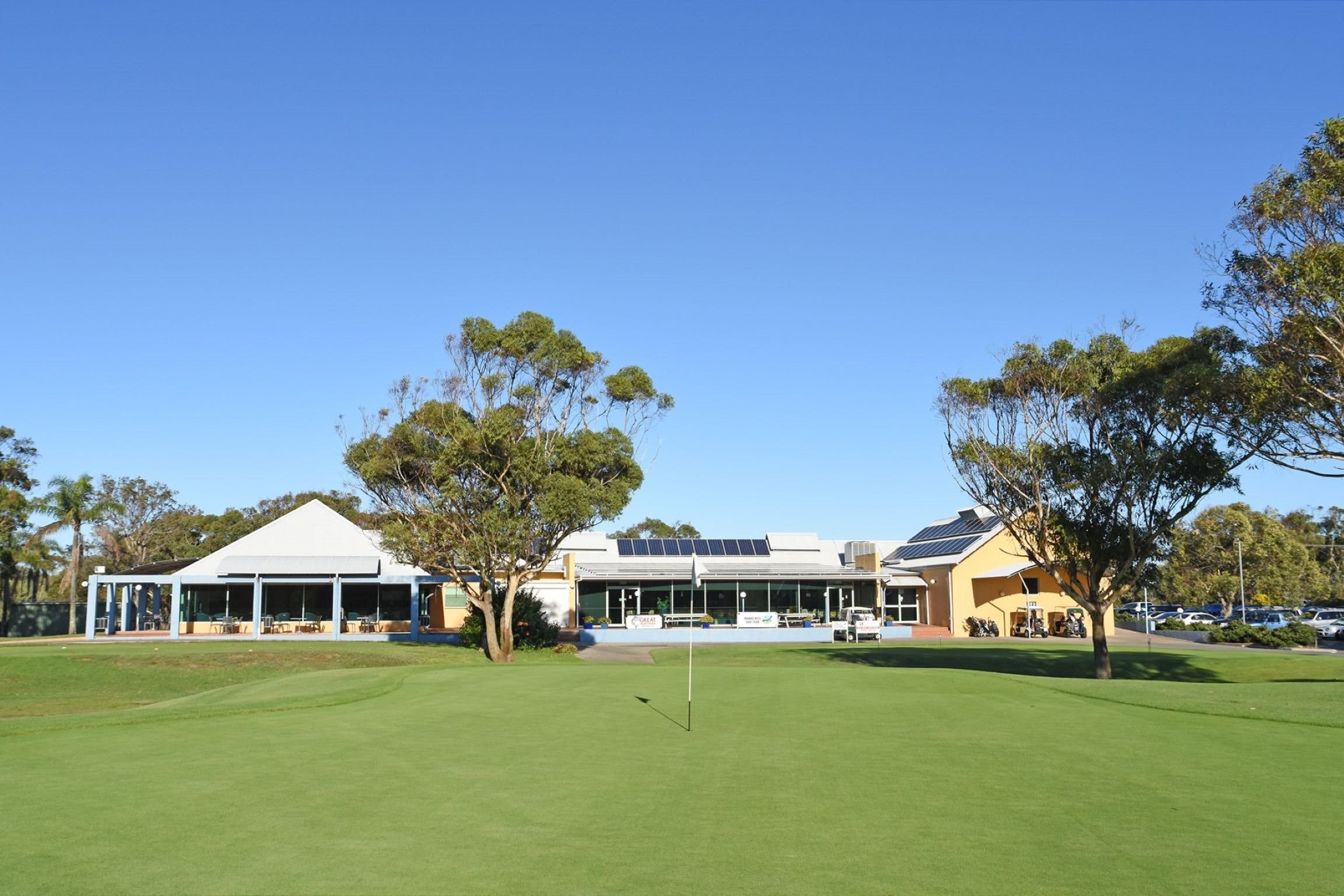 Hawks Nest Golf Club - Accommodation Mermaid Beach