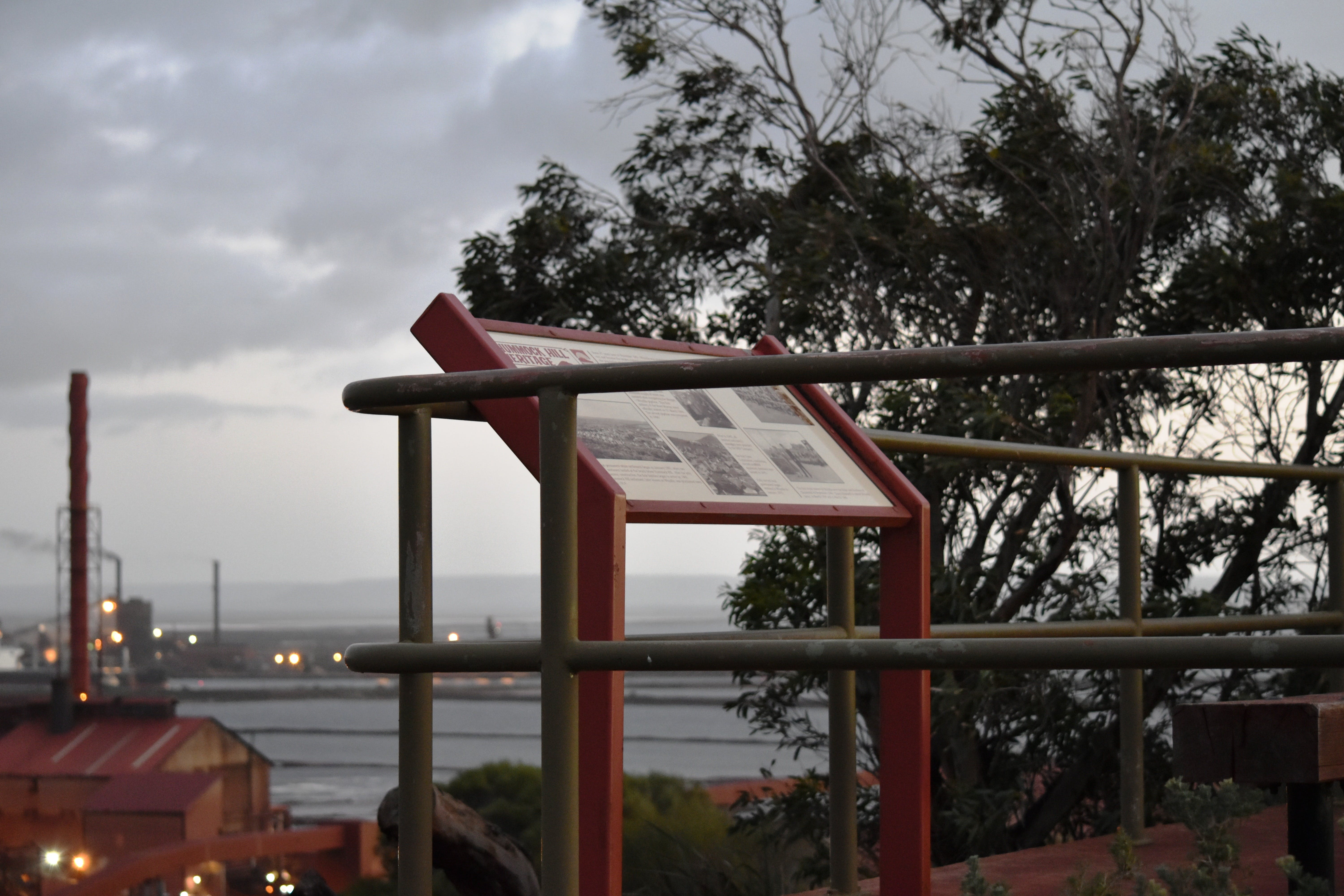 Hummock Hill Lookout - Accommodation Mermaid Beach