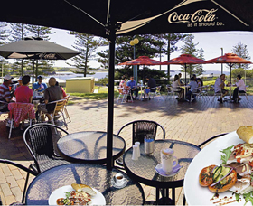 The Beach and Bush Gallery and Cafe - Accommodation Mermaid Beach
