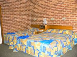Bohle Barn Hotel Motel - Accommodation Mermaid Beach