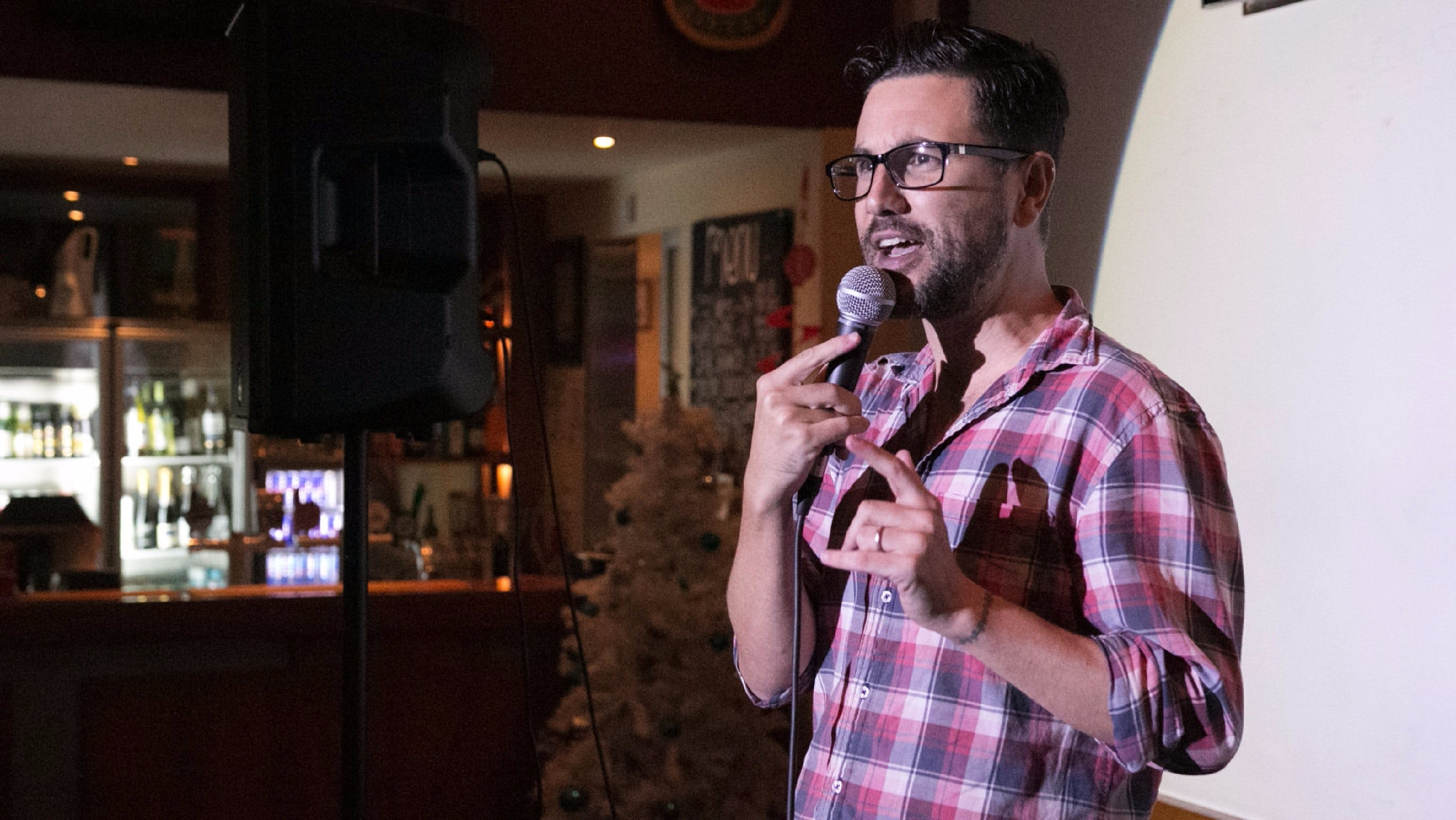 Based Comedy at the Dog and Parrot Tavern - Accommodation Mermaid Beach