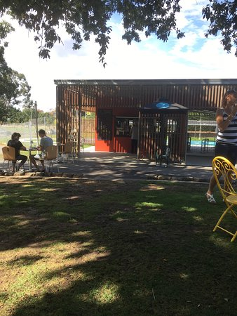 Gardens Lake Cafe - Accommodation Mermaid Beach