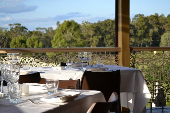 Verandah Restaurant - Accommodation Mermaid Beach