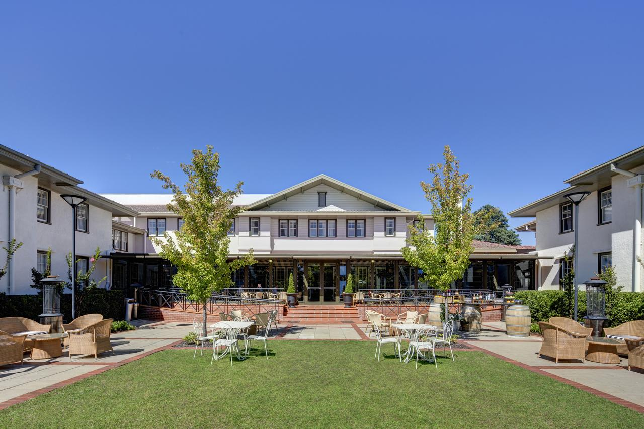 Hotel Kurrajong Canberra - Accommodation Mermaid Beach
