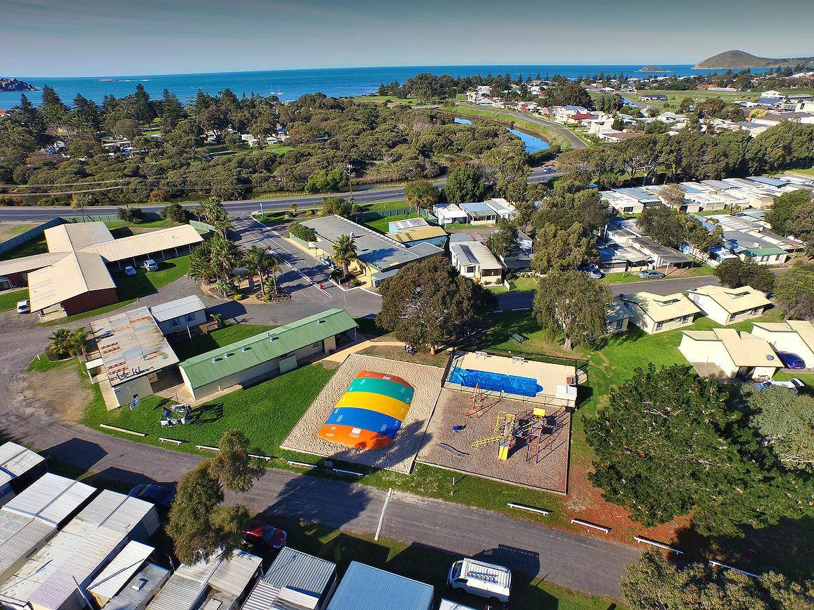 Victor Harbor Holiday  Cabin Park - Accommodation Mermaid Beach
