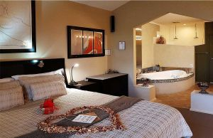 Romantic Getaways at Riverview Rise Retreats - Accommodation Mermaid Beach