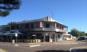 Pier Hotel - Accommodation Mermaid Beach