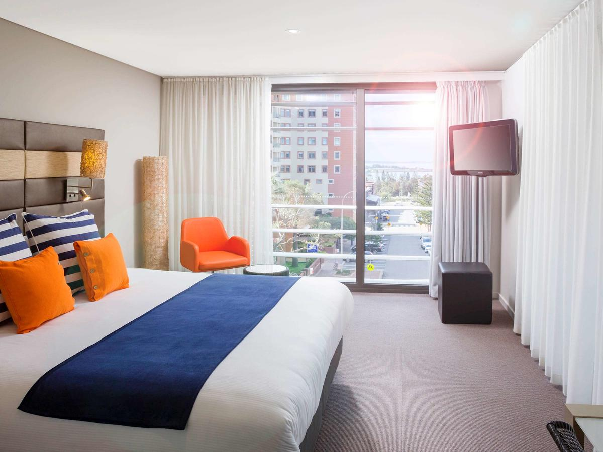 Novotel Newcastle Beach - Accommodation Mermaid Beach