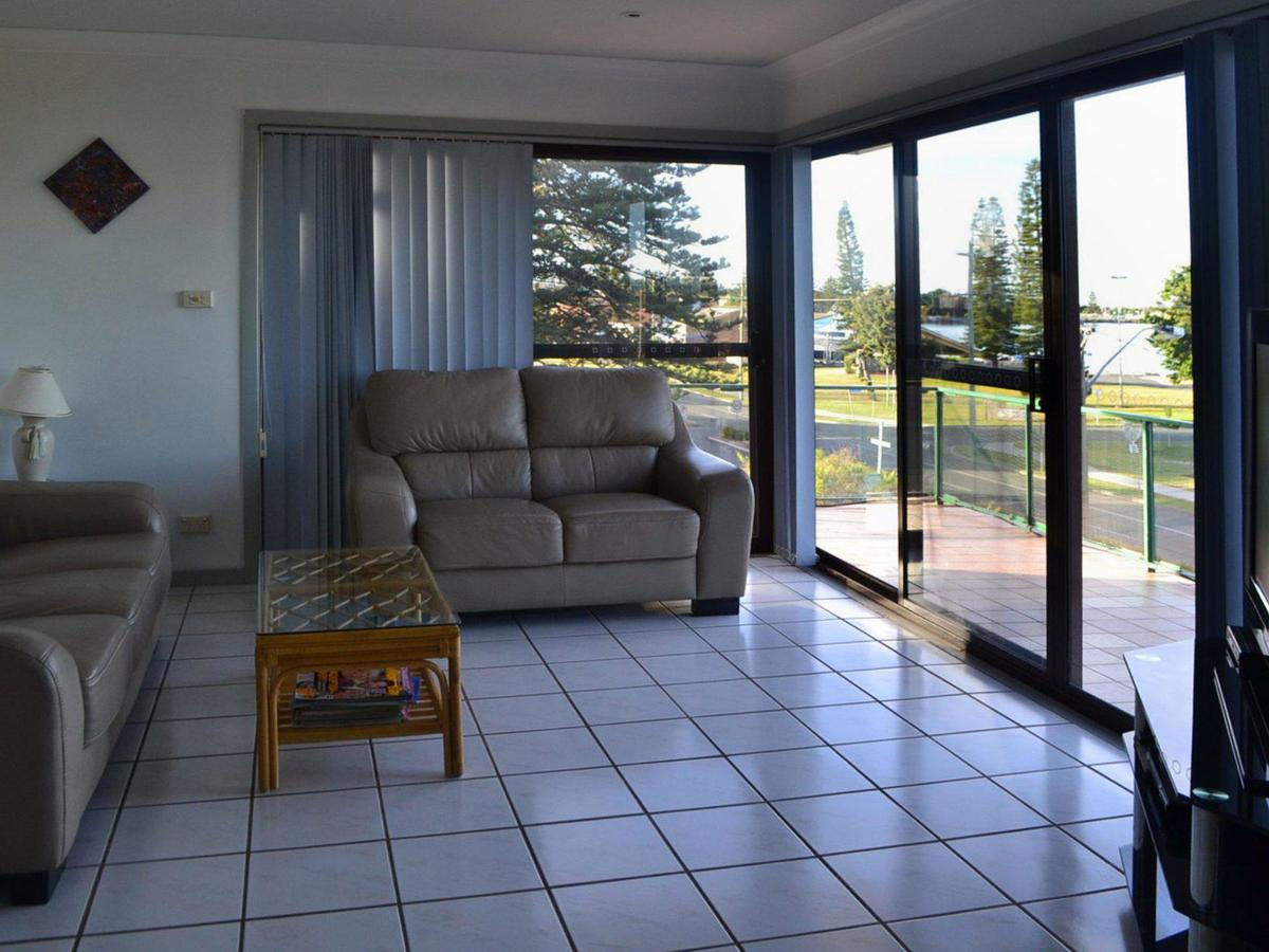 Oxley 8 at Tuncurry - Accommodation Mermaid Beach