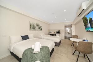 Carlton Suites - Accommodation Mermaid Beach