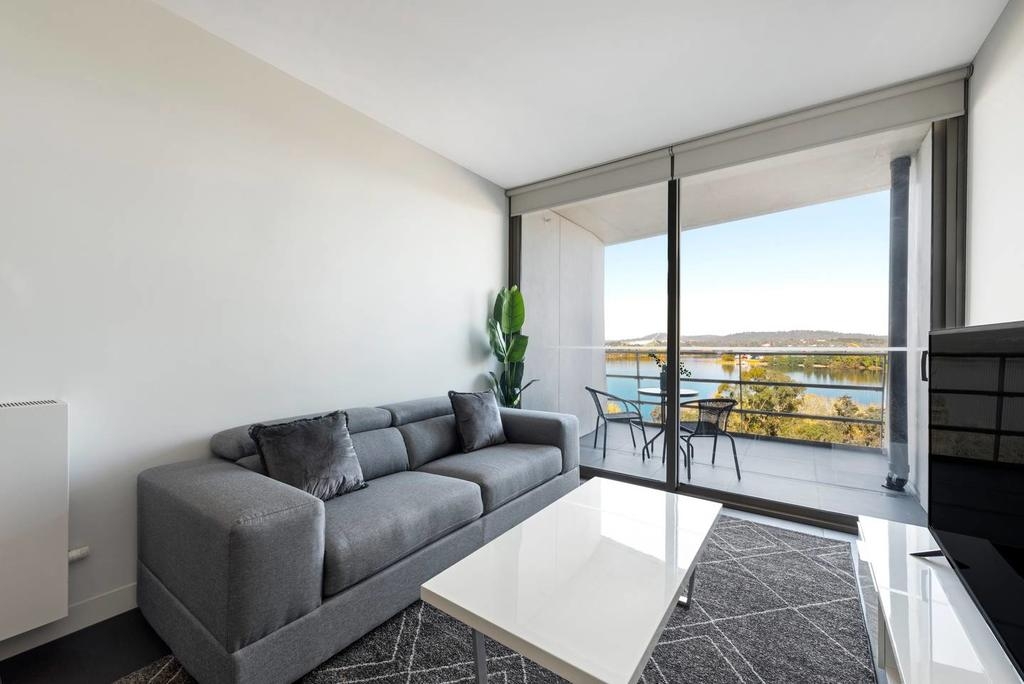 Canberra Luxury Apartment 5 - Accommodation Mermaid Beach