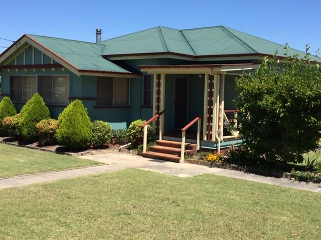 FROGGIES HOLIDAY HOUSE - Accommodation Mermaid Beach