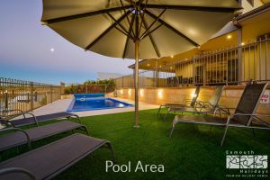 7 Kestrel Place - PRIVATE JETTY  POOL - Accommodation Mermaid Beach