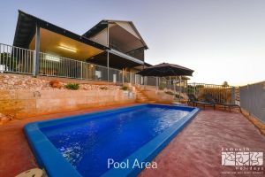 3 Kestrel Place - PRIVATE JETTY  POOL - Accommodation Mermaid Beach