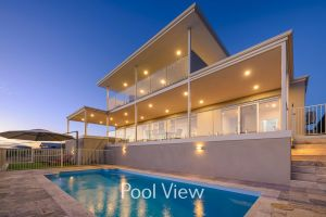 32 Corella Court - Private Jetty and Pool - Accommodation Mermaid Beach