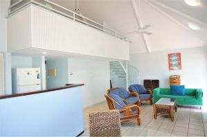 Osprey Holiday Village Unit 120 - Plenty of room for a large family - Accommodation Mermaid Beach