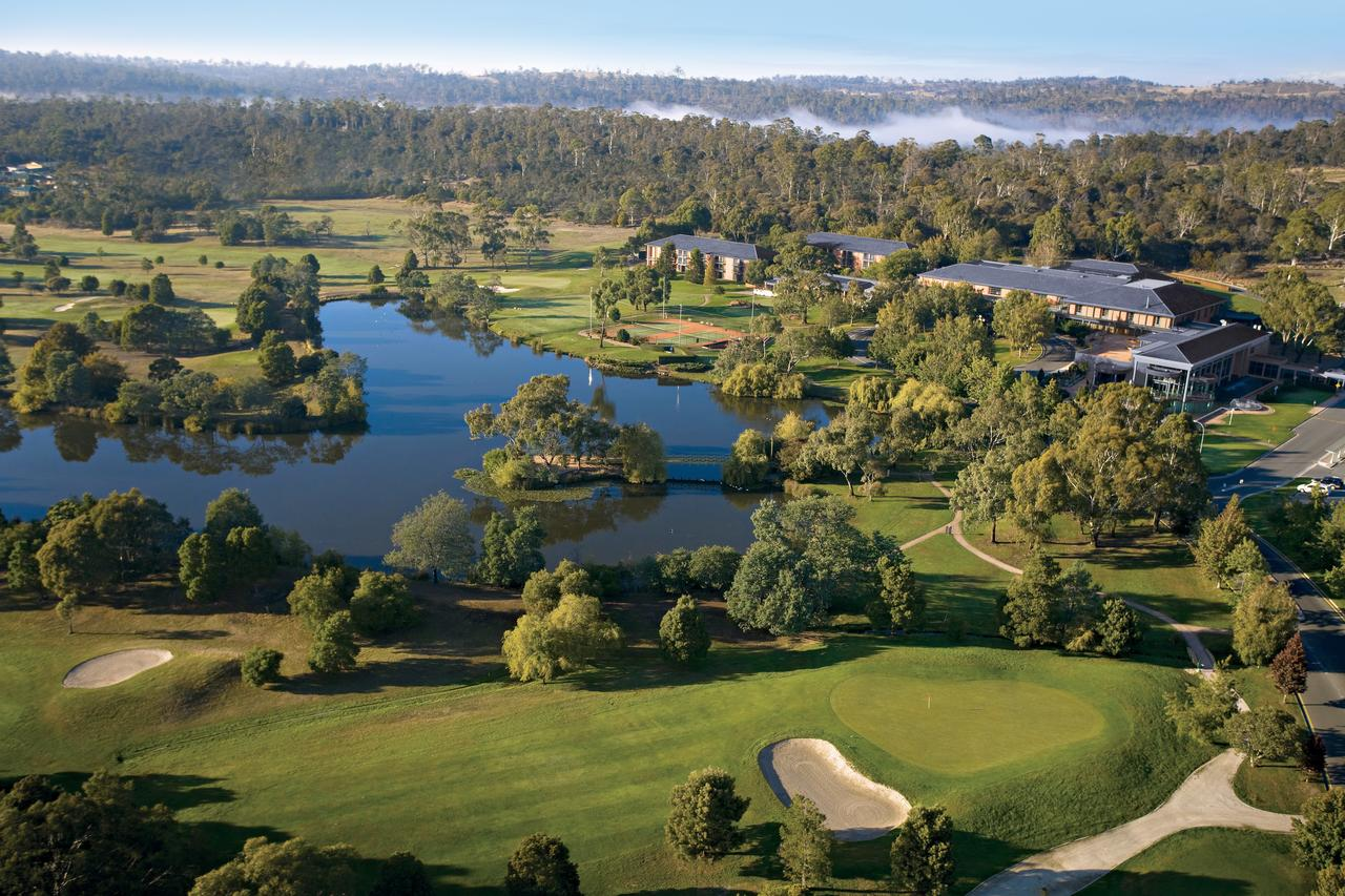 Country Club Tasmania - Accommodation Mermaid Beach