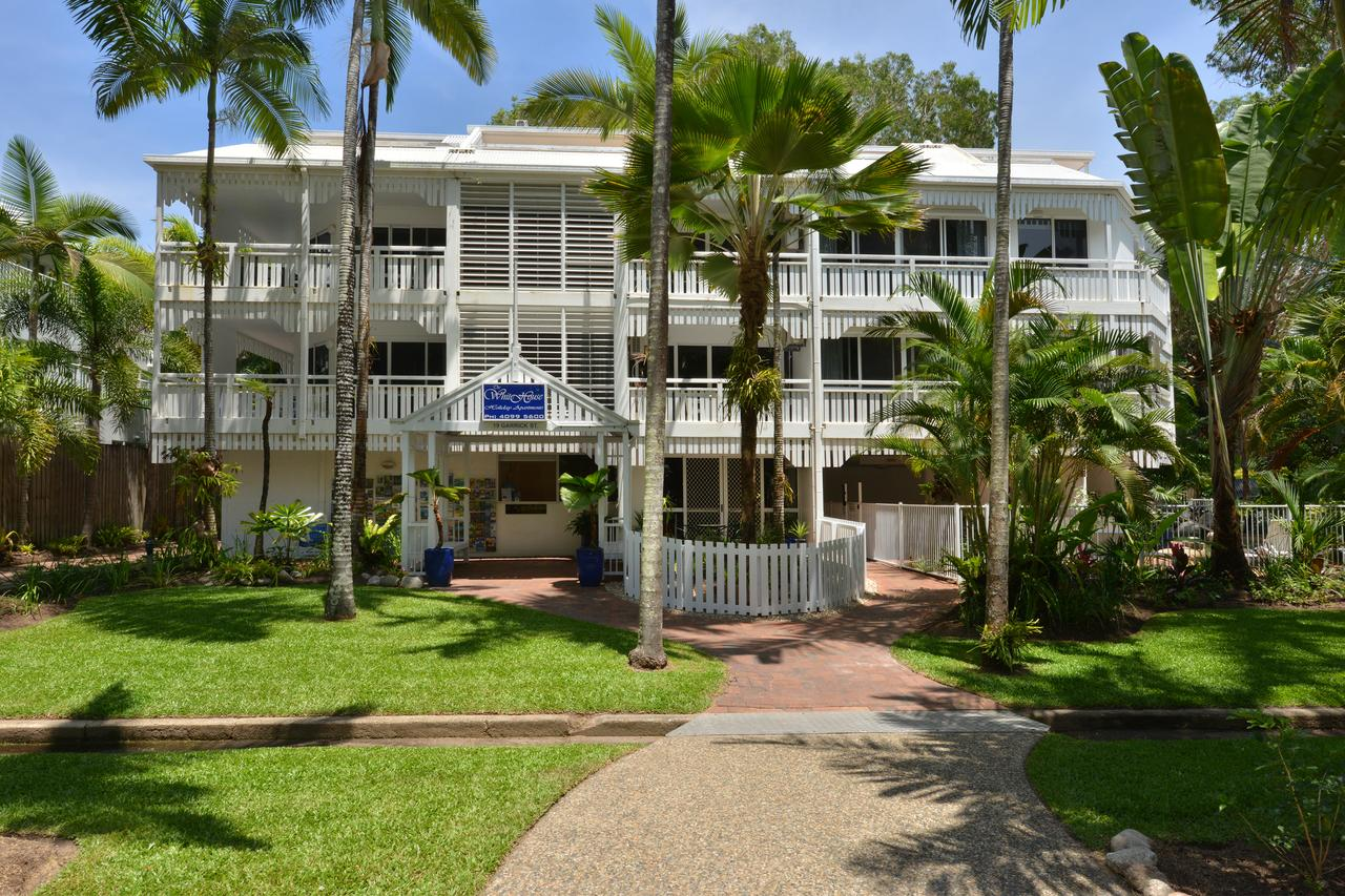 The White House Port Douglas - Accommodation Mermaid Beach