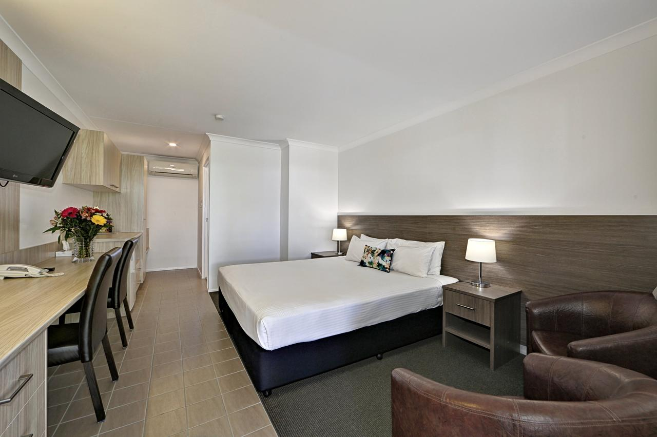 Smart Motels Bert Hinkler - Accommodation Mermaid Beach