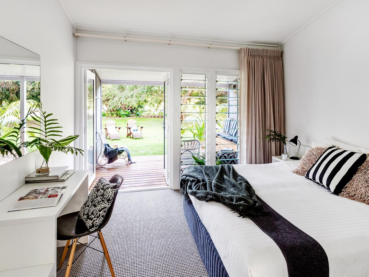 Pinetrees Lodge - Accommodation Mermaid Beach