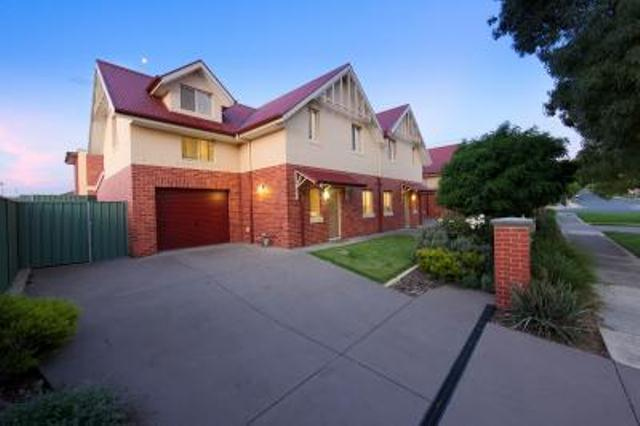 Albury Suites - Schubach Street - Accommodation Mermaid Beach