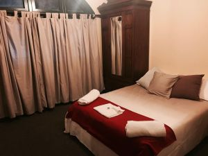 Bellbird Hotel - Accommodation Mermaid Beach
